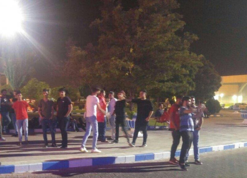 تراکتوریها به خاطر حاجصفی فرودگاه را قرق کردند!