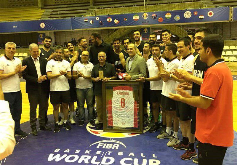 طباطبایی: سرپرست تیم ملی با بازیکنان رفیق است! واکنش رئیس بسکتبال به جنجال دوغ و ماست