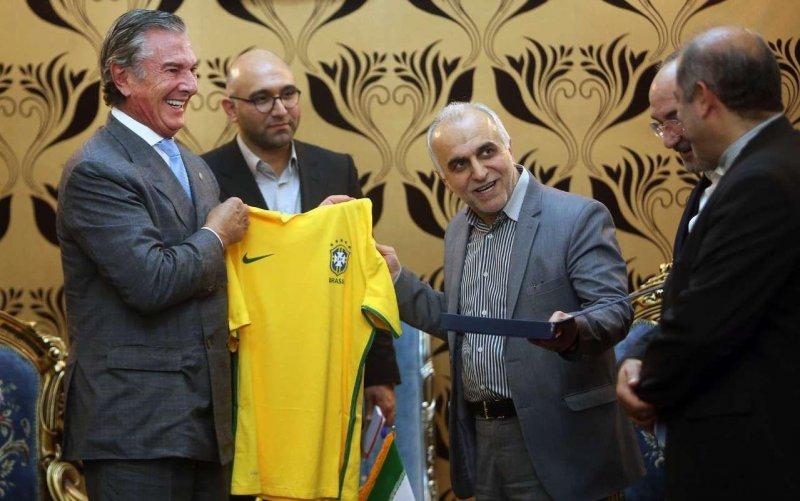 پیراهن سلسائو، هدیه دیپلمات برزیلی در ایران (عکس)