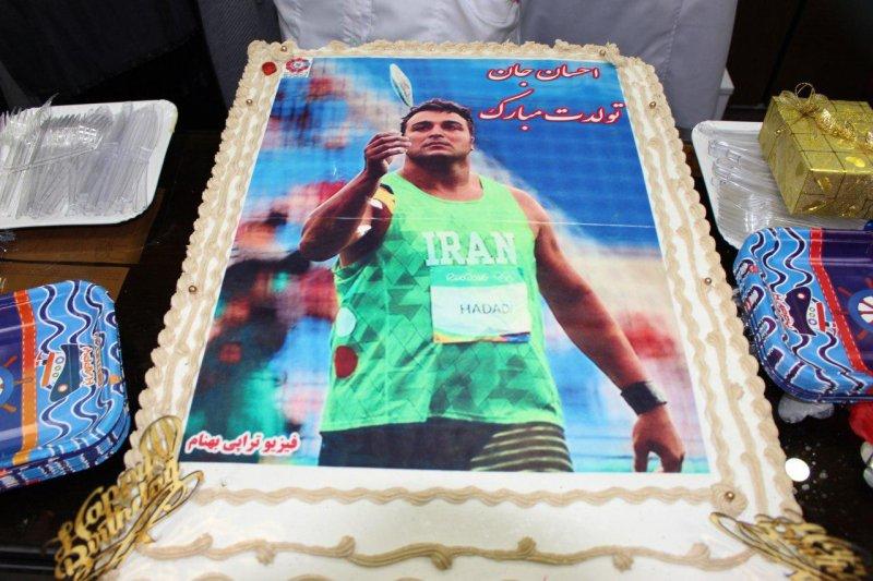 تولد 34 سالگی احسان حدادی در کلینیک بهنام/ سورپرایز قهرمان آسیا توسط ستاره های سرخابی(عکس)