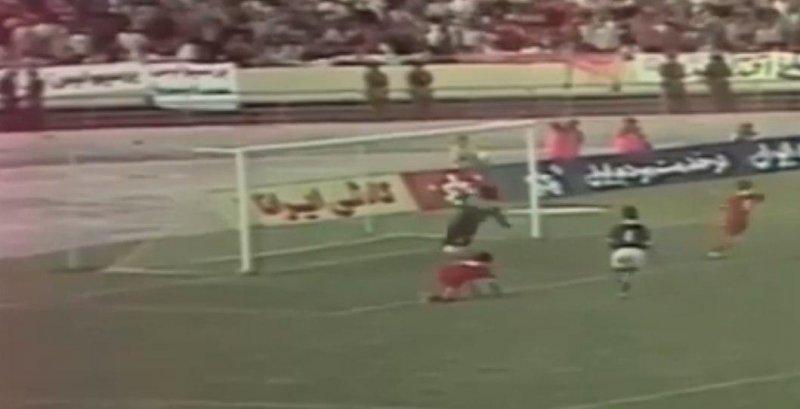 ۱۰ واکنش حیرت انگیز دروازه بانهای فوتبال ایران - 9