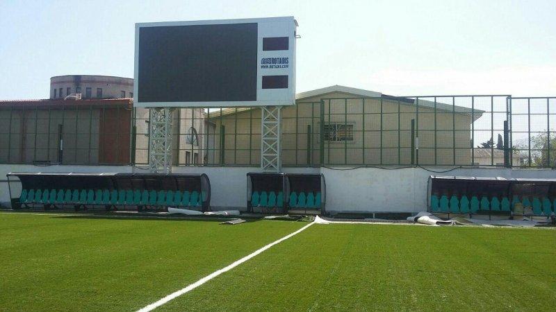 پایان بازسازی یک استادیوم قدیمی (عکس)