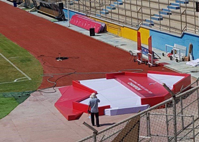 سکوی قهرمانی پرسپولیس در بازی با پارس در ورزشگاه تختی