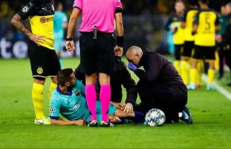 مدافع بارسلونا مصدوم شد(عکس)