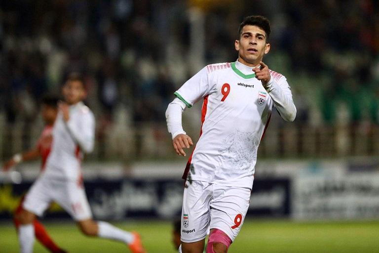 جوان خرمشهری، بهترین بازیکن ایران-نپال(عکس)