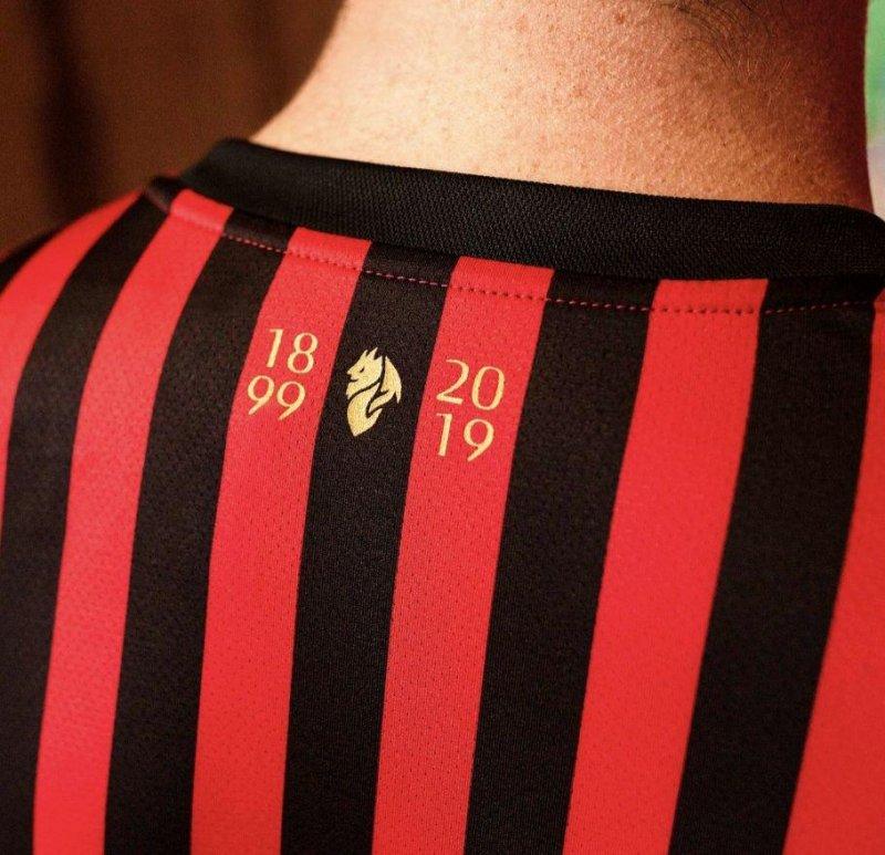 رونمایی از پیراهن ۱۲۰ سالگی میلان (عکس)