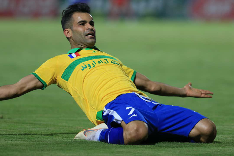 بهترین بازیکن آذرماه فوتبال ایران چه کسی است؟