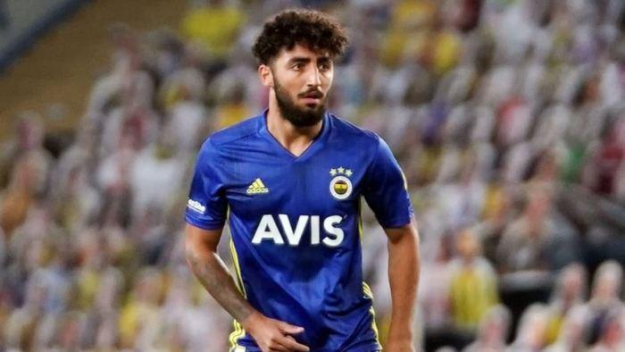 حراج صدمیلیاردی ستاره جوان فوتبال ایران! 1