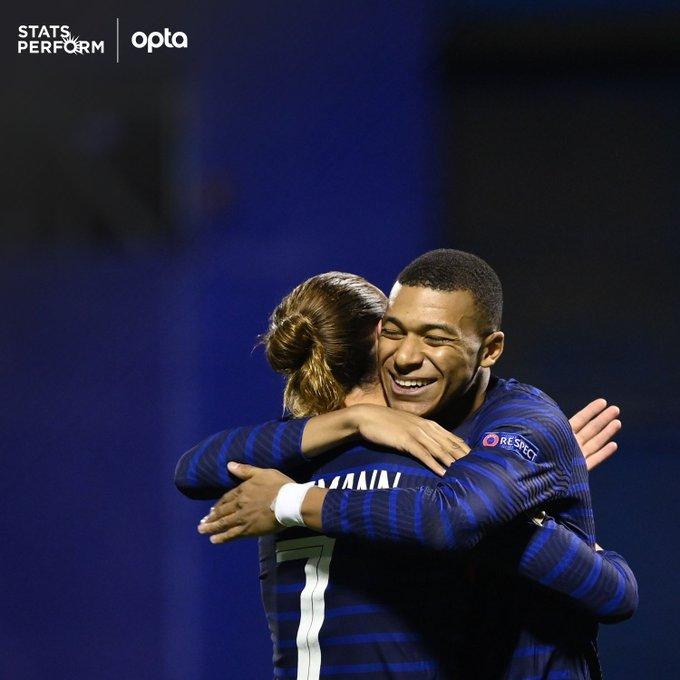 01535847 » مجله اینترنتی کوشا » کرواسی 1 - 2 فرانسه؛ حذف نایب قهرمان جهان 3