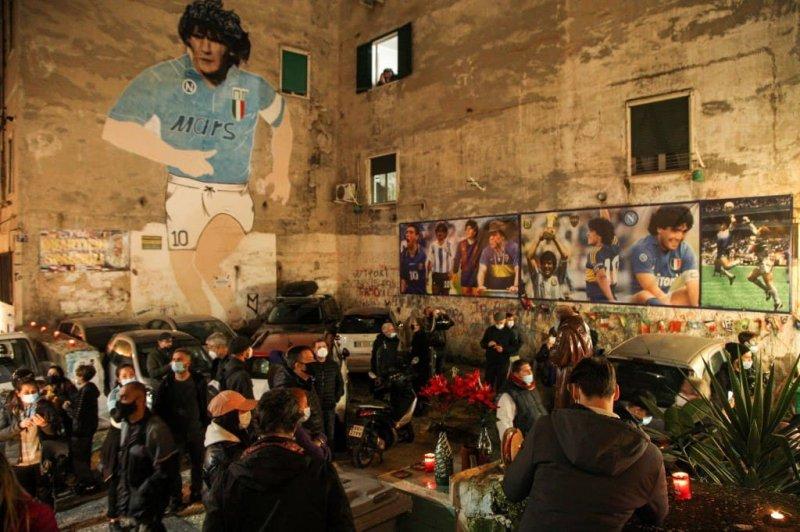 واکنش فوتبالیست های مشهور و سلبریتی ها به درگذشت مارادونا ( عکس )