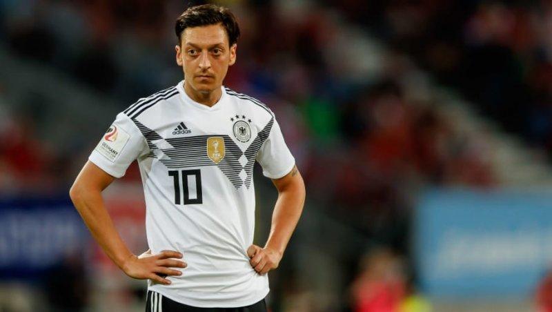 اوزیل: دیگر برای تیم ملی آلمان بازی نمی کنم