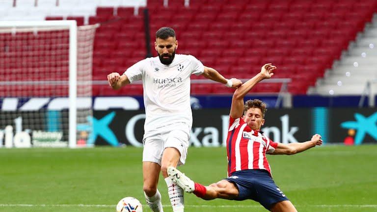 سه امتیاز بالاتر از رئال؛/ اتلتیکو مادرید 2-0 اوئسکا؛ رویای قهرمانی ادامه دارد