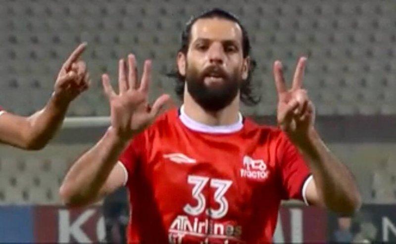 محمد عباسزاده و حرکت نمادین به یاد مرحوم دستنشان/عکس