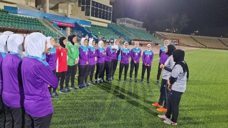 تمرین سبک دختران جوان پیش از دوئل با تاجیکستان (عکس)