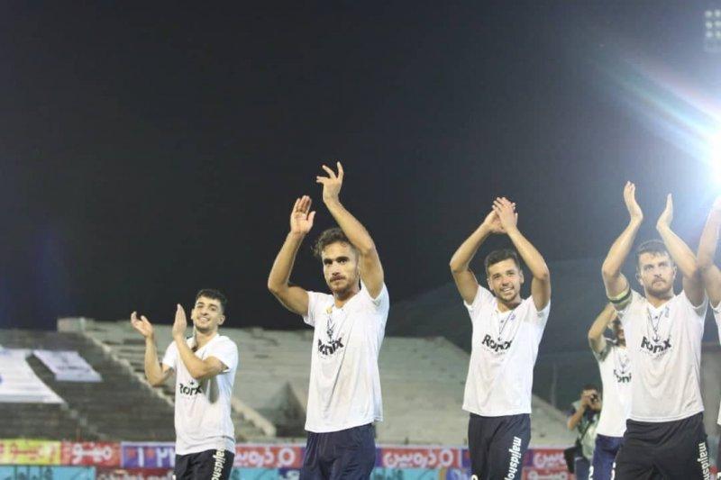 جشن صعود ملوانی ها به نیمه نهایی جام حذفی (عکس)