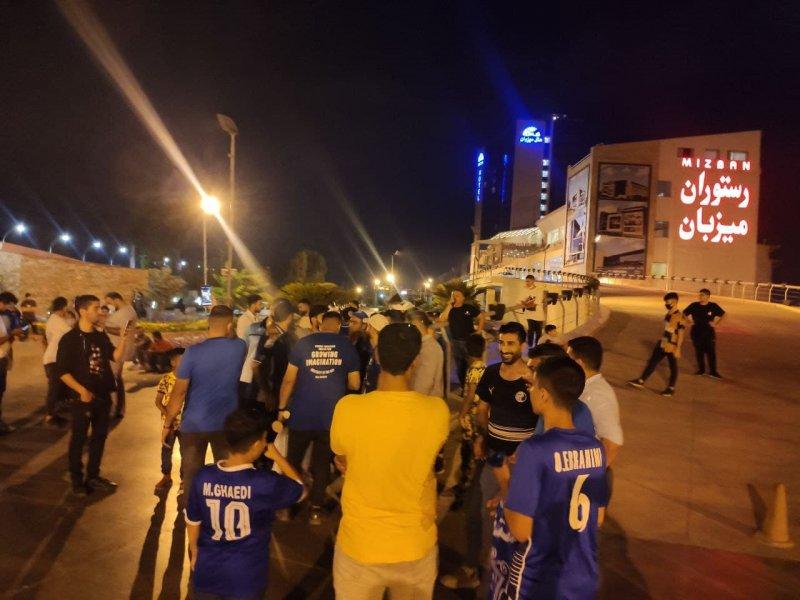 استقبال ویژه از استقلالیها در بابلسر (عکس)
