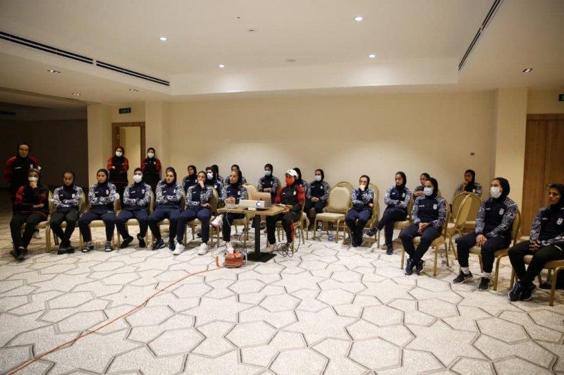 جلسه فنی صبحگاهی تیم ملی فوتبال زنان در تاشکند