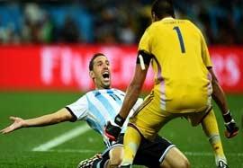 هلند ۰-۰ آرژانتین (پنالتی ۲-۴)