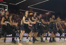 حرکت عجیب و غریب نیوزلند مقابل امریکا؛ بسکتبال ۲۰۱۴