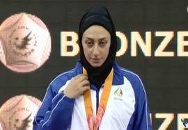مراسم اهدی مدال نقره فاطمه روحانی