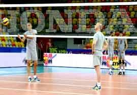تمرین تیم ملی والیبال قبل از بازی با لهستان (اختصاصی ورزش ۳)