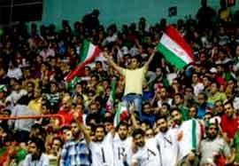 تکمیل ظرفیت آزادی ۲ ساعت قبل شروع والیبال ایران-لهستان