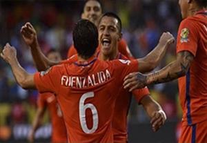 خلاصه نیمه اول کلمبیا 0-2 شیلی (توقف بازی)