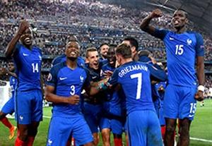 خوشحالی گریزمان و یارانش پس از صعود به فینال یورو 2016