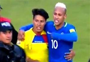 برخورد جالب نیمار با هوادارش در بازی با اکوادور