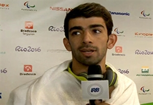 مصاحبه با ایزدیار بعد از رقابت شنای 50 متر آزاد پارالمپیک