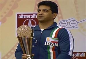 اهدای جام قهرمانی تیم ملی ایران در کشتی آزاد آسیا