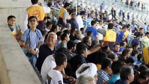 حضور مهاجم سابق پرسپولیس در ورزشگاه آزادی