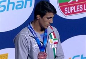 اهدای مدال برنز گرایی در کشتی فرنگی قهرمانی جهان