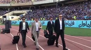 ورود داوران دربی به استادیوم آزادی