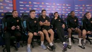 بازیکنان بارسلونا در حال بازی کردن PES