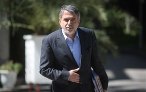 رییس کمیته المپیک و تاج روی سکوهای آزادی