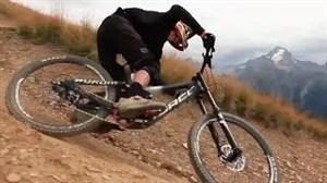 کلیپ تماشایی از دوچرخه سواری کوهستان