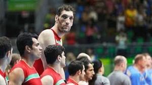 مرتضی مهرزاد ستاره تیم ملی والیبال نشسته