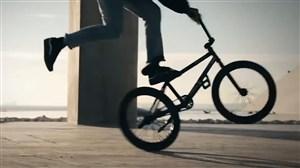 کلیپ زیبا و جذاب از مهارتهای دوچرخه سواری در شهر