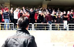 اعتراض شدید هواداران حاضر در تمرین پرسپولیس - اختصاصی ورزش سه