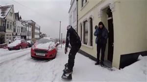 اسنوبرد در هوای برفی و فضاهای شهری