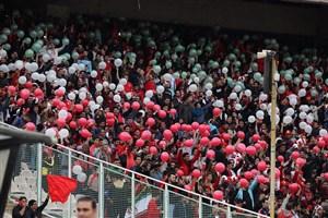 هجوم 10 هزار نفره به بخش مسقف استادیوم آزادی