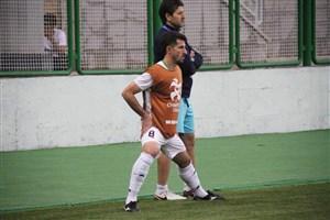 حدادیفر: مربی تعیین میکند چه کسی بازی کند