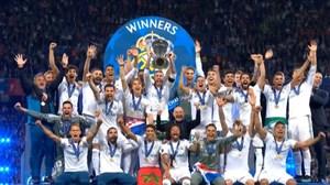 لحظه بالا بردن جام قهرمانی رئال مادرید توسط راموس