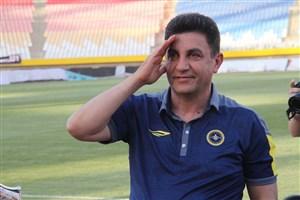 قلعهنویی: با خانوادهام خارج از ایران به استادیوم میروم