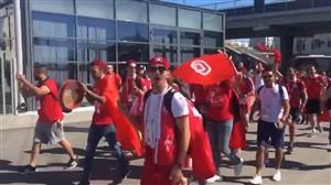 هواداران پر شور تونس و انگلیس در راه استادیوم