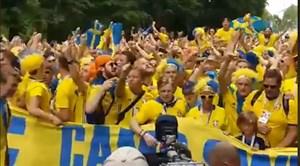 خوشحالی هواداران سوئدی پس از شکست سوئیس