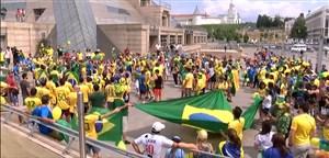 استقبال مردم از ورود تیم ملی برزیل به شهر کازان