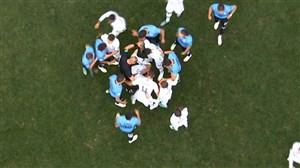 درگیری بازیکنان اروگوئه و فرانسه در جریان بازی