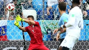 گزیده ای از اشتباهات دروازه بانان در ادوار جام جهانی